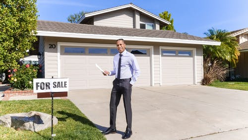 How can a real estate agent help you when buying property?